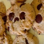 Low Carb Chocolate Chip Cookies (1)